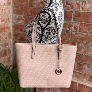 Michael kors jet set travel medium carryall tote